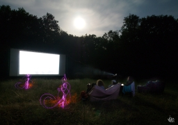 Nous exposerons des photos de Lightpainting sur notre écran sur toutes nos dates